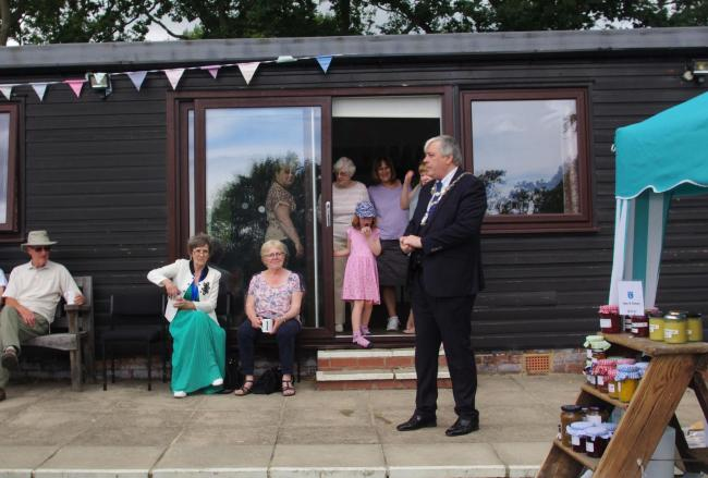 Otley Mayor Peter Jackson addressing the Otley Leg Club fete. Photo by Ian Jackson.