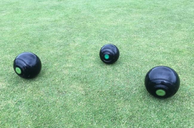 Local bowling greens are at risk due to cost-cutting proposals by Leeds City Council