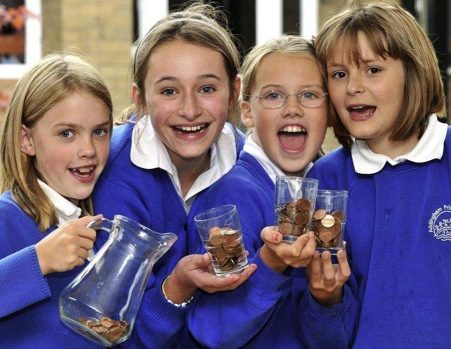 1d60bf642ba264 Children collect more than £250 in coins