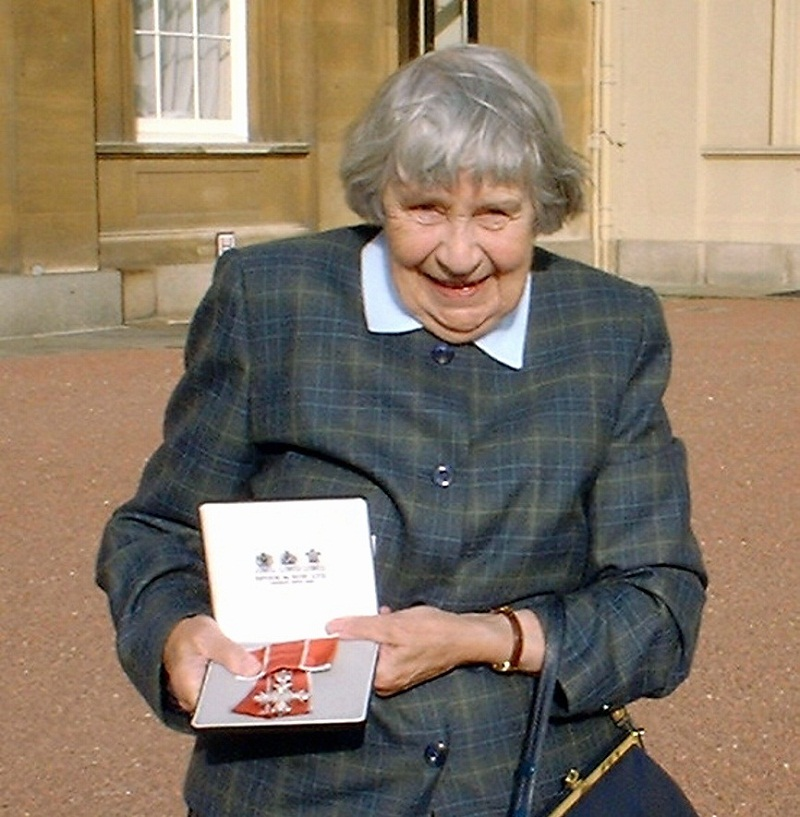 Joan Duncan collecting her MBE in 2001 for services to Yorkshire Wildlife