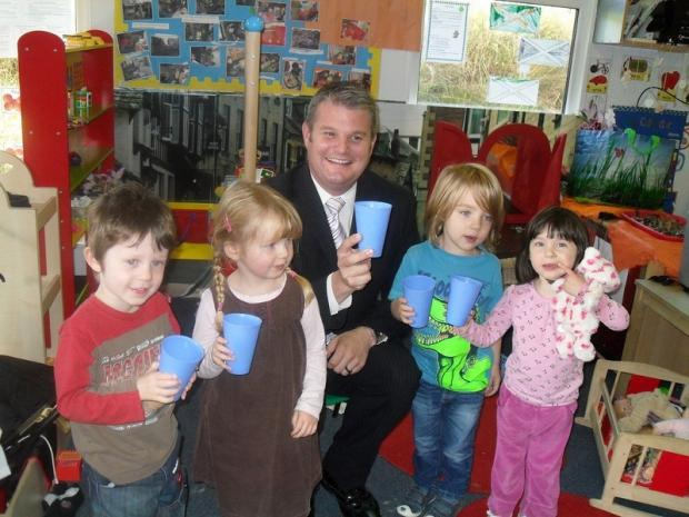 Stuart Andrew MP with Tommy, Lucy, George and Gabby at Little Dolphins Nursery in West End Lane, Horsforth