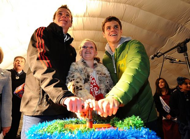 Ilkley Gazette: Alistair and Johnny Brownlee with carnival queen Poppy Roberts in the centre