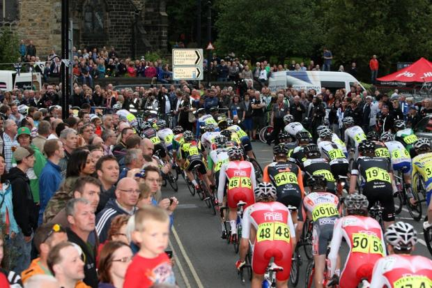 Ilkley Gazette: The packed crowds at the 2012 Otley race