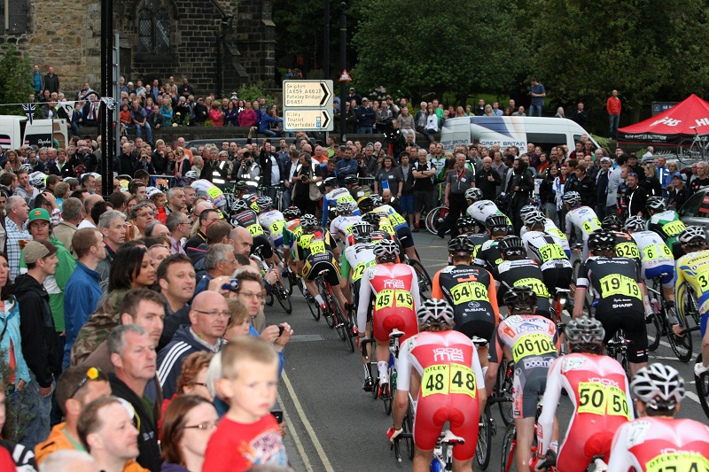 The packed crowds at the 2012 Otley race