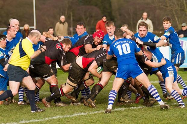 The Ilkley forwards set up on eof their trademark rolling mauls