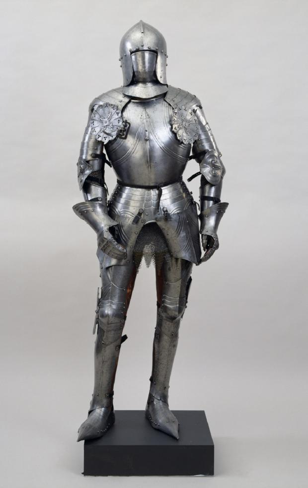 Ilkley Gazette: Yeadon Amateur Operatic Society are looking for a suit of armour similar to this one