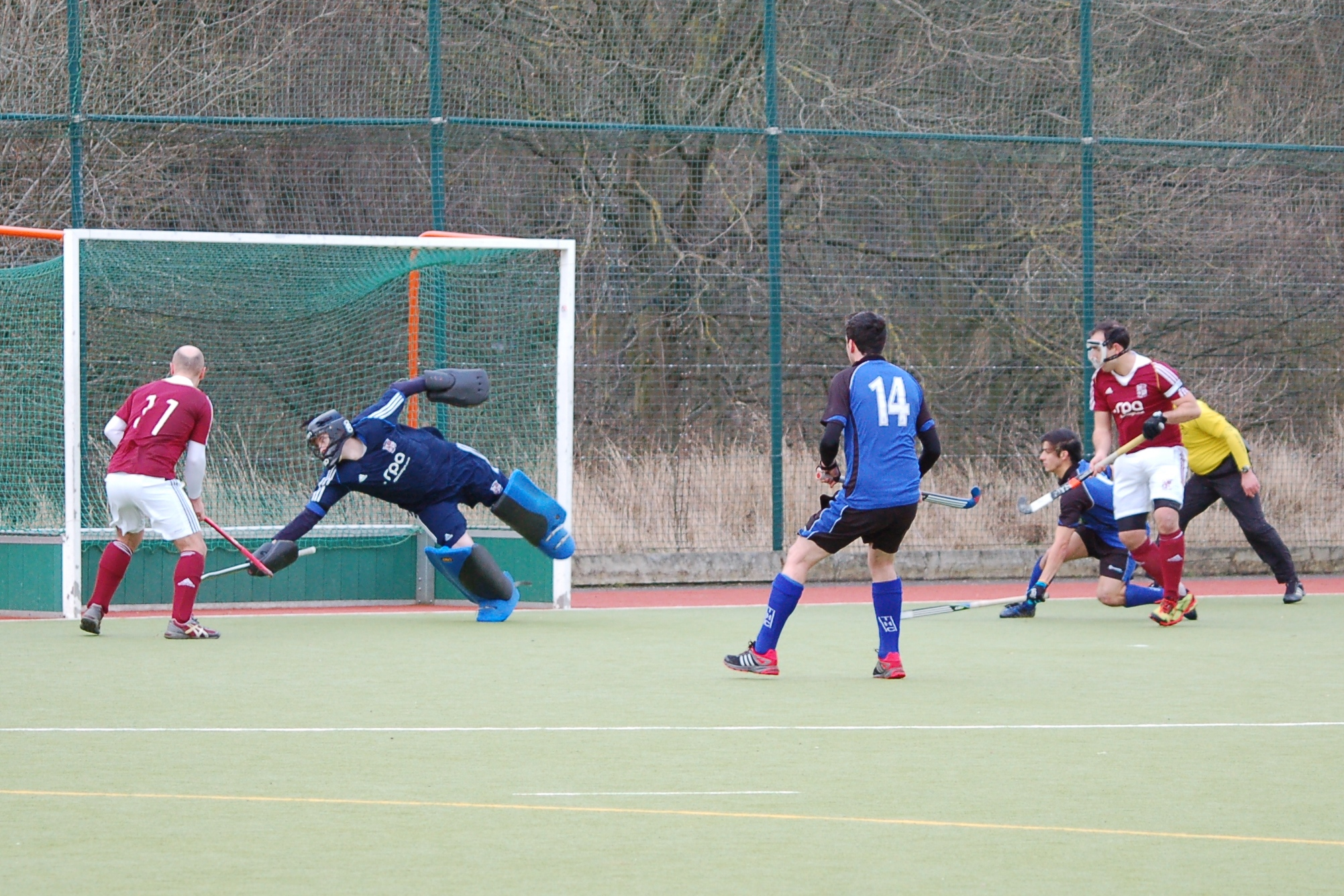 David Carter makes a save from a corner. Picture: Kirsty McMillan