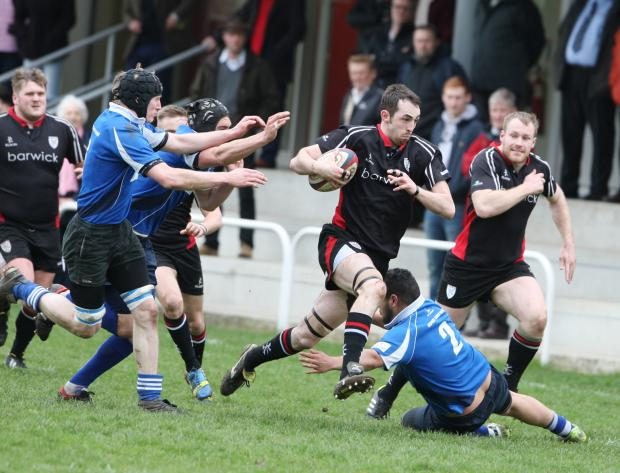 Ilkley Gazette: Pete Small outpaces the defence to score