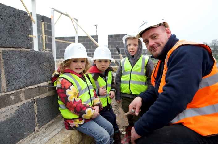 Ilkley youngsters get hands on experience of working construction site