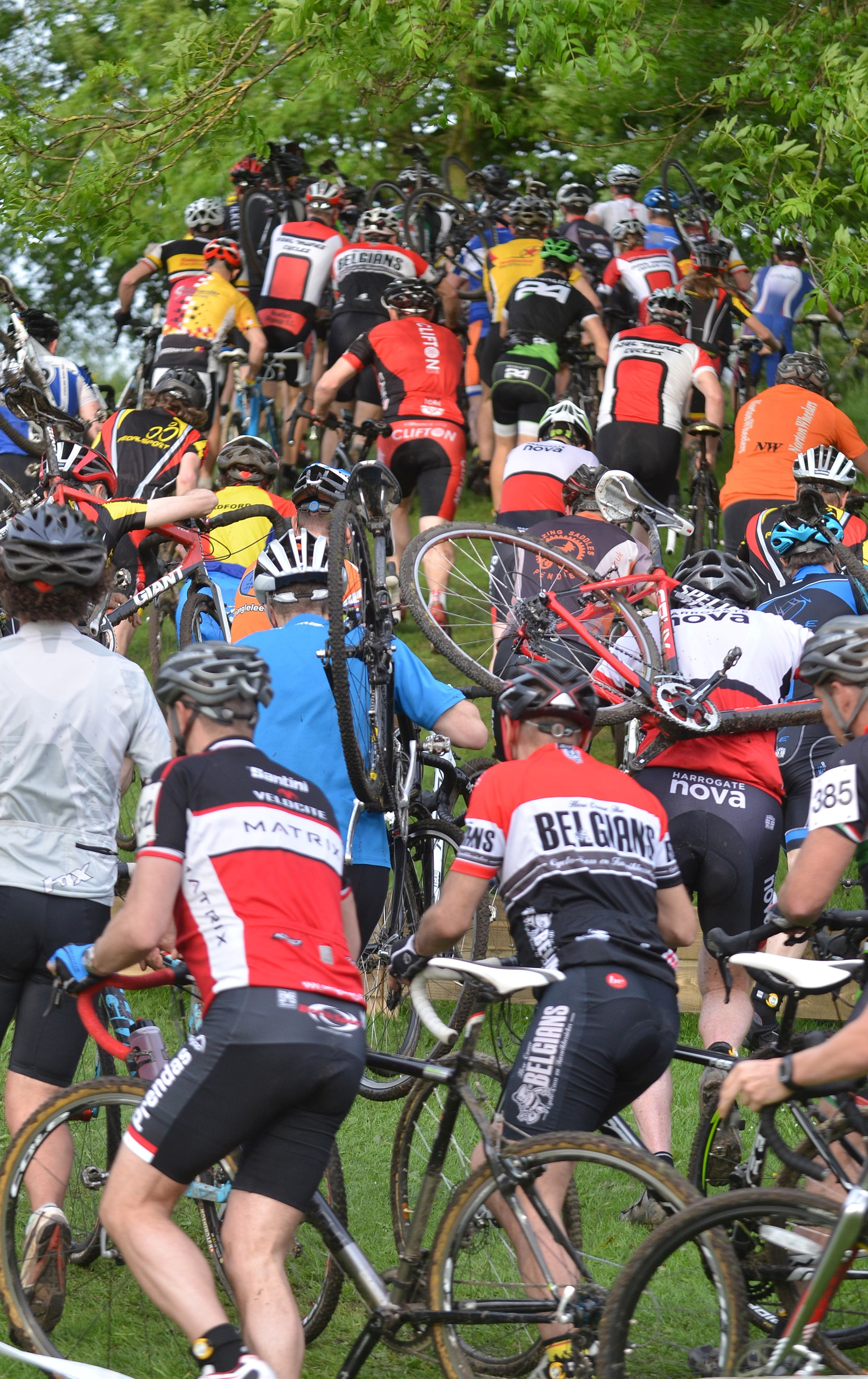 The heat is on as summer cyclo-cross comes to Nunroyd Park
