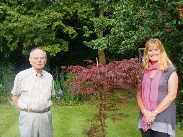 Ilkley Gazette: (7578622)Stan Sills and Maria Dawson from the Acorn Committee