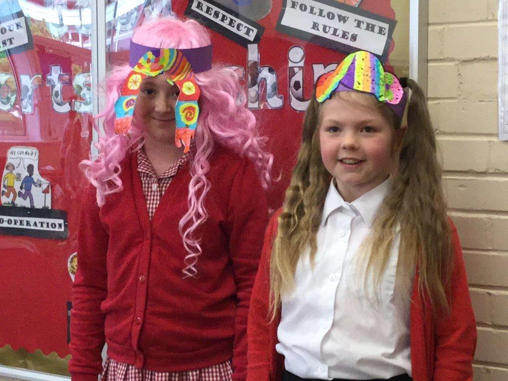 Children and teachers wear wacky wigs to support cancer charity ... 4ec87b4e4881