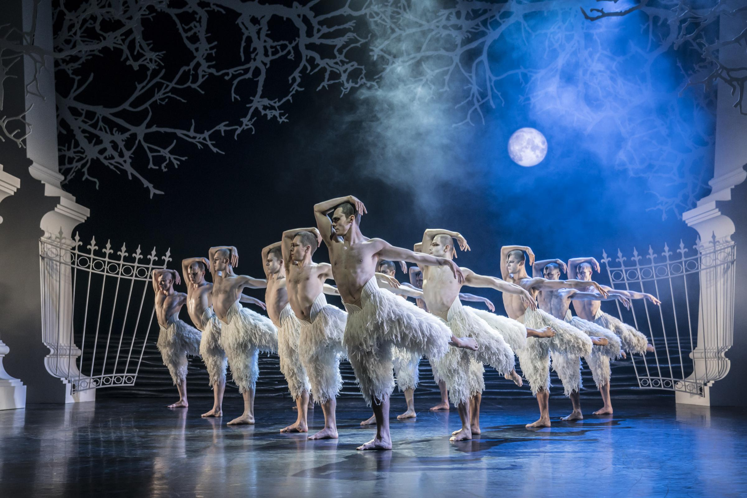 Swanlake by Matthew Bourne. Photo credit: Johan Persson