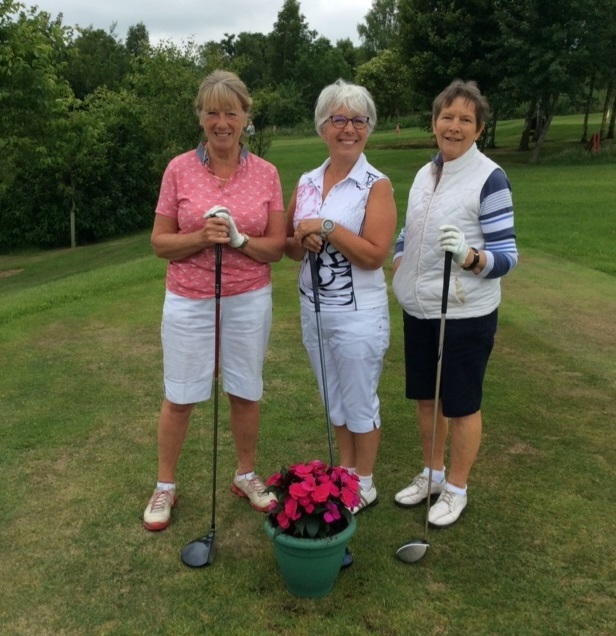 Ladies playing golf at Bracken Ghyll Golf Club